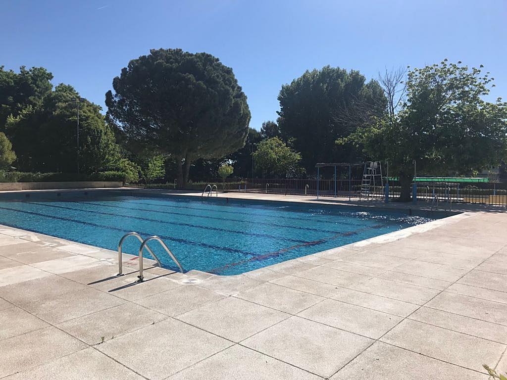 Ya est n abiertas las piscinas de verano en coslada y san fernando de henares henares hoy tv - Piscina san fernando de henares ...