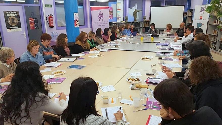 Reunión de la Mesa Técnica de Violencia de Género de Coslada para planificar y evaluar las acciones a poner en marcha.