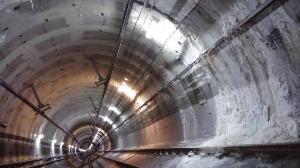 Otra vez la L7b de Metro: la salmuera ha empezado a invadir 454 metros de túnel. Y ya van  gastados 25 millones de Euros en reparaciones.