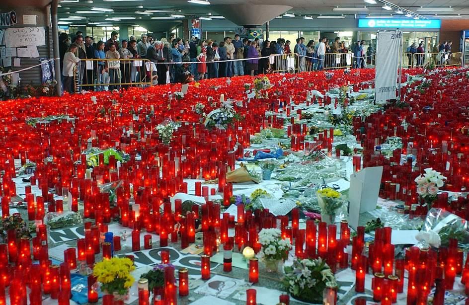 Los Ayuntamientos del corredor del Henares, convocan el domingo 11 de Marzo a las 12:00h, a todos los Vecinos/as a participar en actos-homenaje en memoria de las Víctimas del atentado terrorista del 11-M de 2004