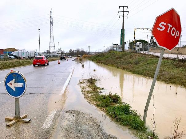 Madrid se compromete con el Ayuntamiento de Coslada a solucionar los problemas  de las inundaciones en la carretera de Vicálvaro.