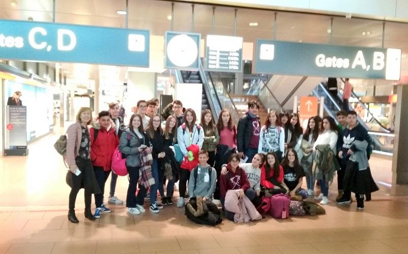 27 menores Alumnos  de Coslada y sus profesores, pasan cuatro días 'tirados' en Hamburgo.