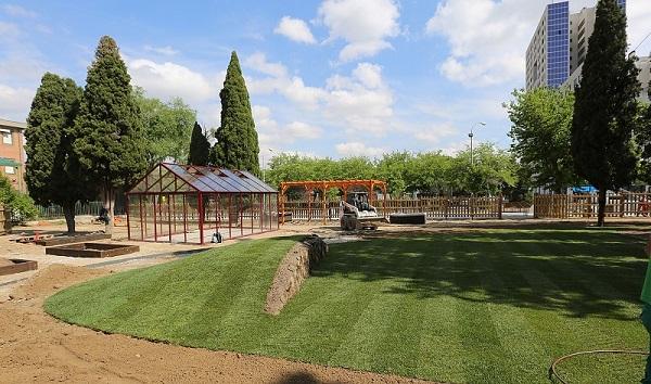Coslada: Avanzan a buen ritmo las obras del Jardín Terapéutico, un proyecto pionero en toda España.