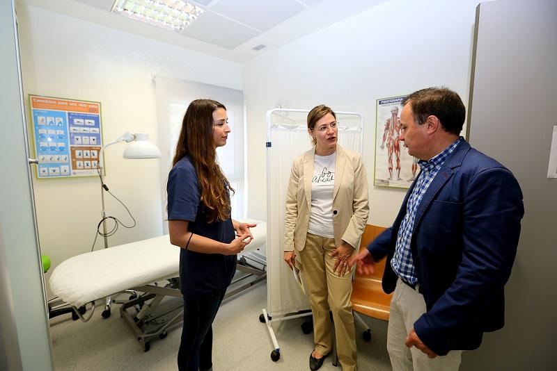 Los usuarios/as del Centro Municipal de Mayores La Rambla disponen  ya de un nuevo Servicio de Fisioterapia.