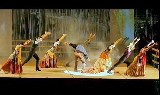 Coslada.- Éxito rotundo del espectáculo de danza Carmen versus Carmen en el anfiteatro del Lago.