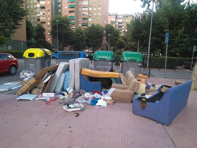 """Miguel A. Lezcano, Cs: """"El tripartito (Psoe, SomosAlcalá-Podemos e IU) se olvidan de limpiar los barrios de Alcalá, que presentan un estado lamentable agravado por la presencia de ratas"""""""