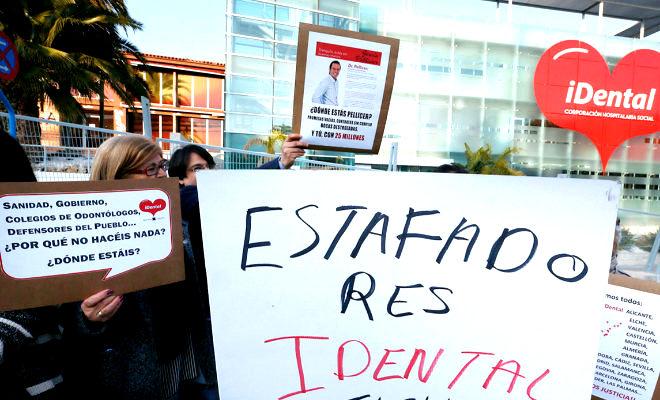 El concejal de E-2000, Sandro Algaba,  pide apoyo para los afectados por la estafa de iDental.