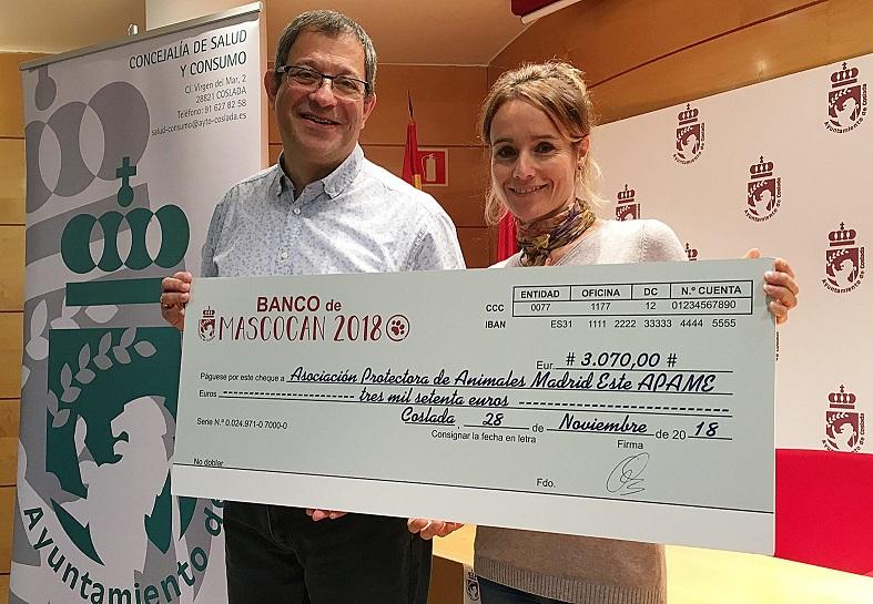 El Ayuntamiento de Coslada hace entrega a APAME del dinero recaudado en el III Mascocan Solidario/2018