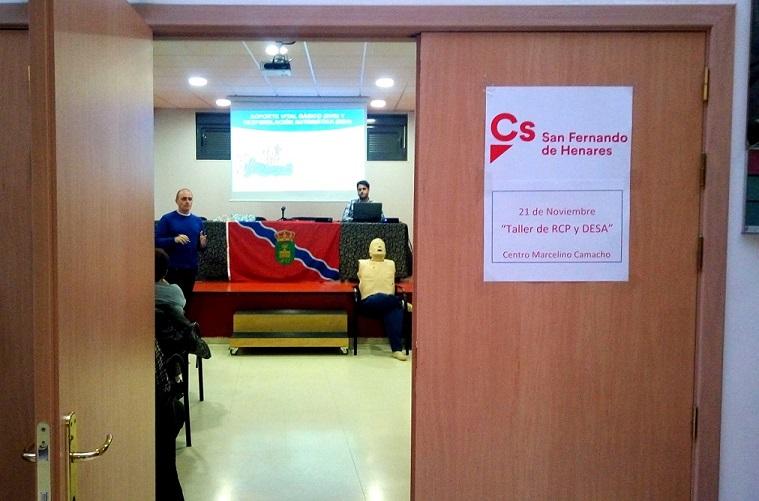 Ciudadanos (Cs) San Fernando de Henares organizó un Taller de Recuperación cardiopulmonar y uso de desfibrilador.