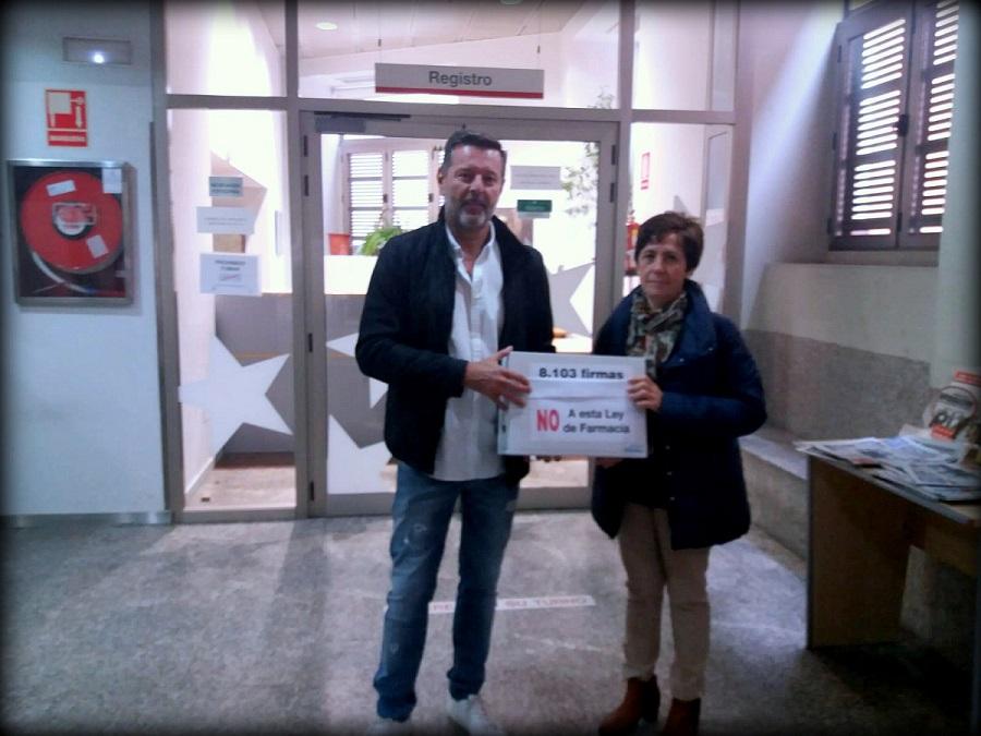 Sindicato de Enfermería de Madrid: Más de 8.000 enfermeras reclaman la retirada de la Ley de Farmacia.