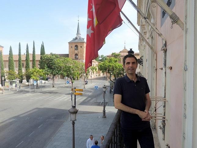 La Audiencia Provincial juzgará definitivamente al alcalde de Alcalá de Henares, Javier Rodríguez (PSOE) por prevaricación administrativa.