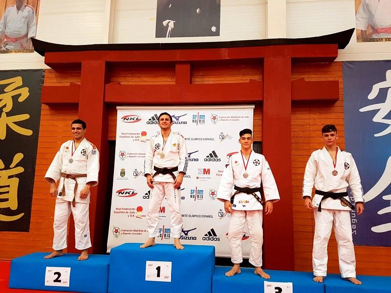 Luis Miguel Casas, consigue Medalla de Bronce en el  Open nacional  jiu jitsu Kyus y cinturones negros.
