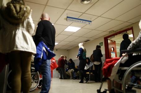 Alguno de los principales hospitales de la Comunidad de Madrid  llevan varios días al 100% de capacidad.