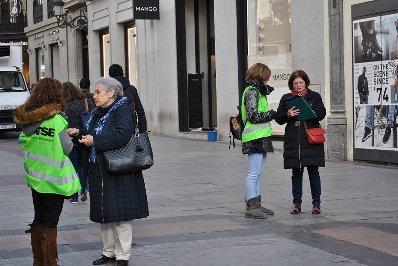 SATSE Madrid recoge firmas para que haya más Enfermería en  hospitales y centros de salud.