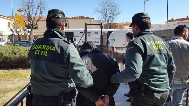 La Guardia Civil, desarticula una banda dedicada al robo y exportación de la maquinaria Robada  a Marruecos.
