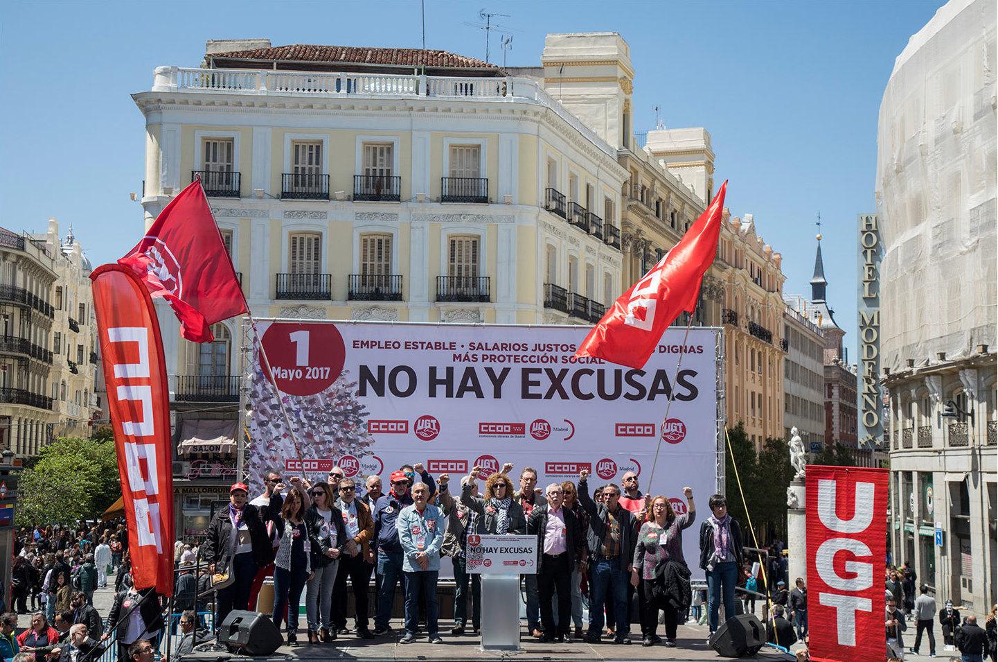 Más turistas que manifestantes en Sol