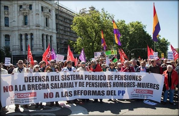 Un 1º de mayo con pinchazo de asistencia, muy poca gente joven y críticas a la corrupción.
