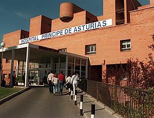 El Consejero de Sanidad valora poner camas de media estancia en el Hospital de Alcalá de Henares.