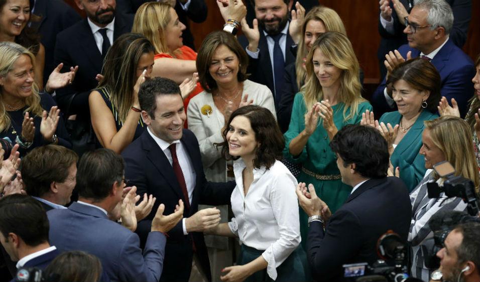 Isabel Díaz Ayuso, investida presidenta de la Comunidad de Madrid por el acuerdo de PP, Ciudadanos y Vox.