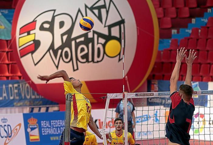 El Domingo 8 en Coslada: Partido amistoso entre las selecciones absolutas de voleibol de España y Egipto.