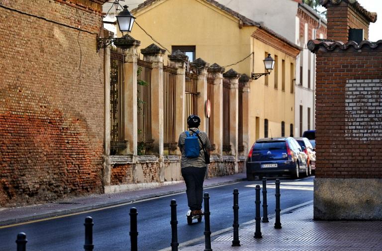 El ayuntamiento de Alcalá,  prepara una nueva ordenanza de circulación que incluya Patines eléctricos entre otros