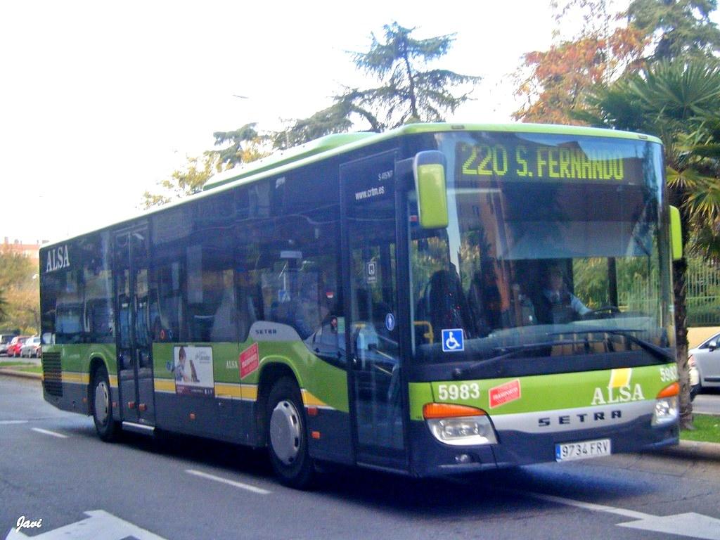 La Línea de autobuses 220 tendrá nuevas paradas en el Polígono Industrial.