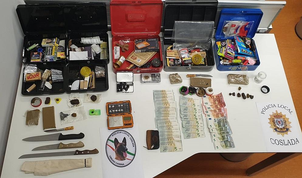 La Policía Local de Coslada se incauta de medio kilo de hachís y armas blancas en un local de los conocidos como de 'ocio y recreo'