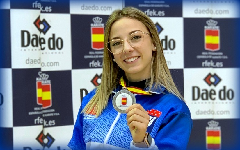 Lidia Rodríguez, medalla de plata en kata senior femenino del Campeonato de España absoluto.