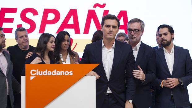 """Política.- El """"plan"""" de los ex de UPyD para """"derrocar a Rivera y hacerse con Cs"""""""