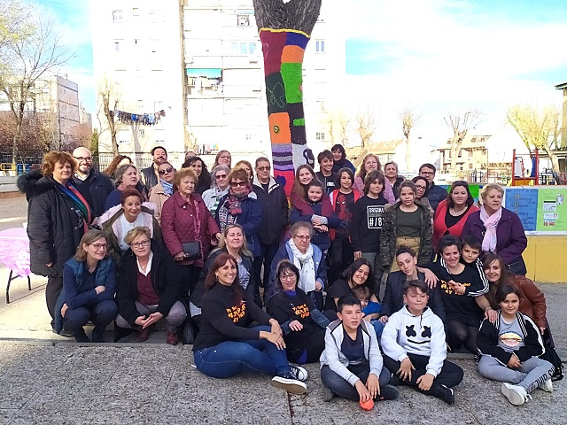8-M: Coslada inaugura su Árbol de la Igualdad.