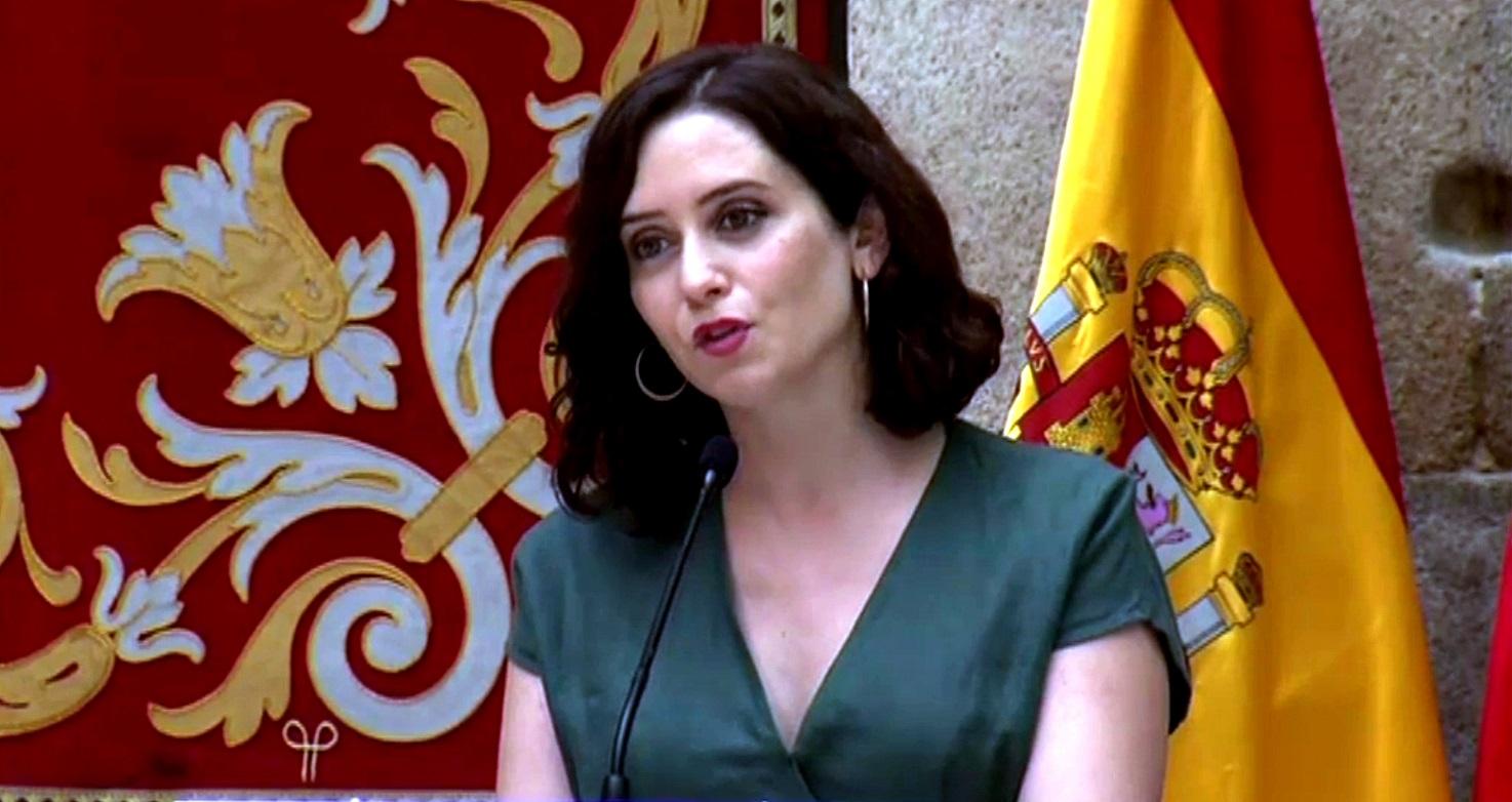 A partir del Jueves 30, la mascarilla será obligatoria en la Comunidad de Madrid, también en espacios al aire libre y habrá una cartilla Covid-19.