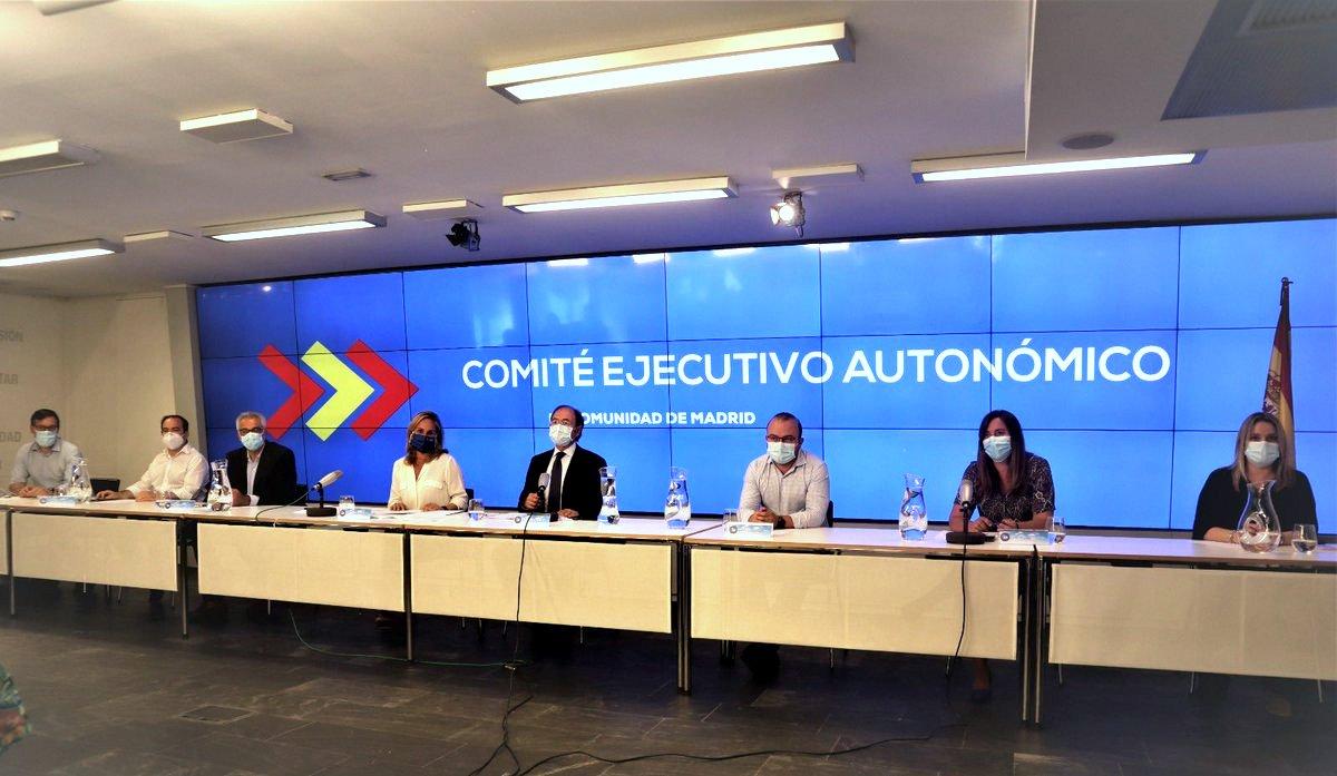 """El PP de Madrid da """"un impulso"""" en 15 agrupaciones locales relevando puestos con caras nuevas."""