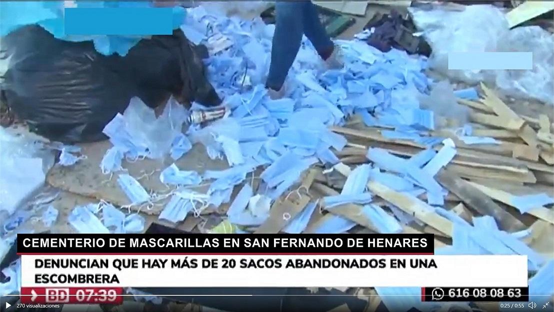 "Localizan ""un cementerio"" de mascarillas usadas en San Fernando de Henares."