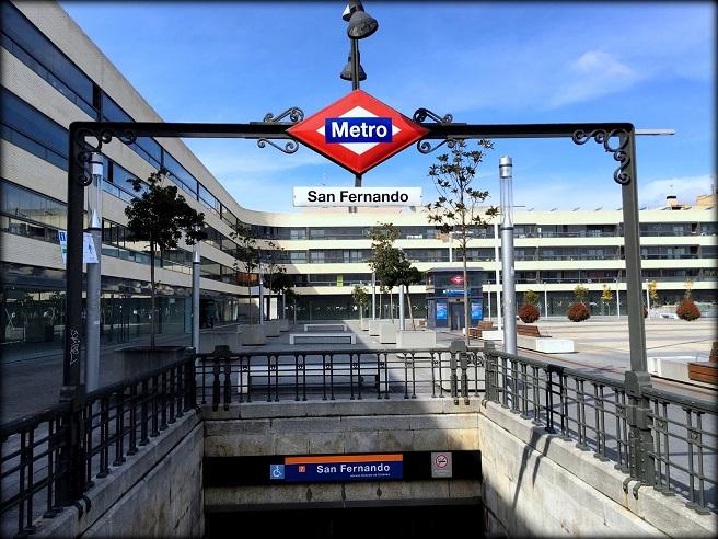 Metro implantará 52 nuevos sistemas de validación de billetes sin barrera para agilizar el acceso.