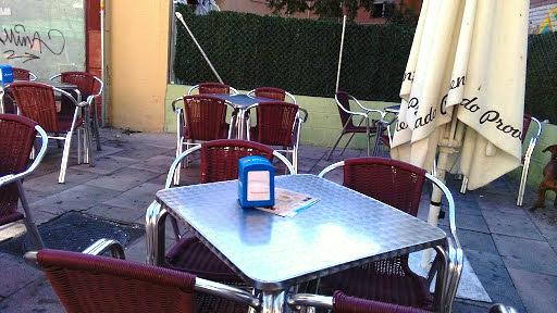 El Ayuntamiento de Coslada amplía las licencias de terrazas de verano en bares y restaurantes hasta el 31 de diciembre.