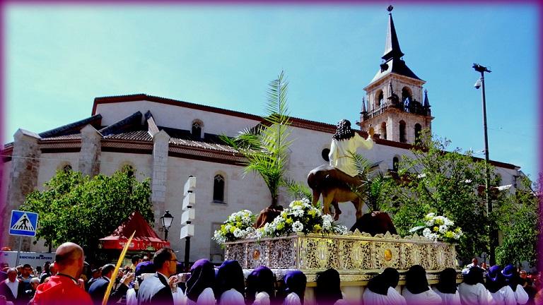 El Domingo de Ramos marca el inicio de otra Semana Santa atípica en España.
