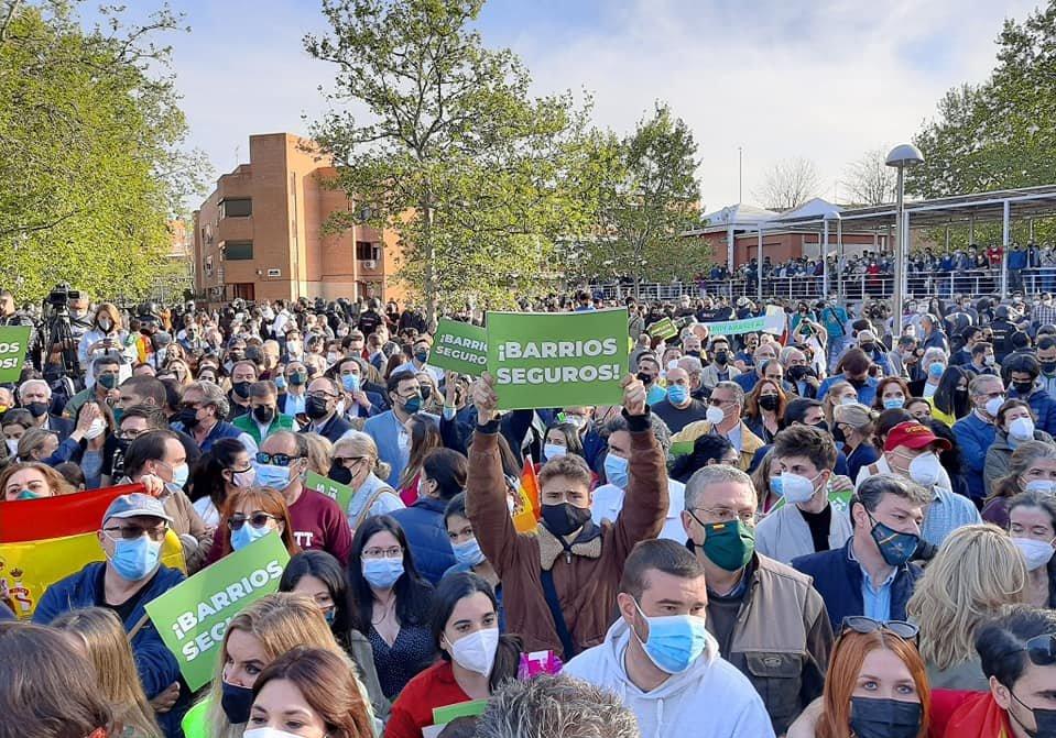 Interior desplaza a antidisturbios de fuera de Madrid para proteger a Vox en sus actos. Al menos Cinco radicales detenidos tras los disturbios de Vallecas.