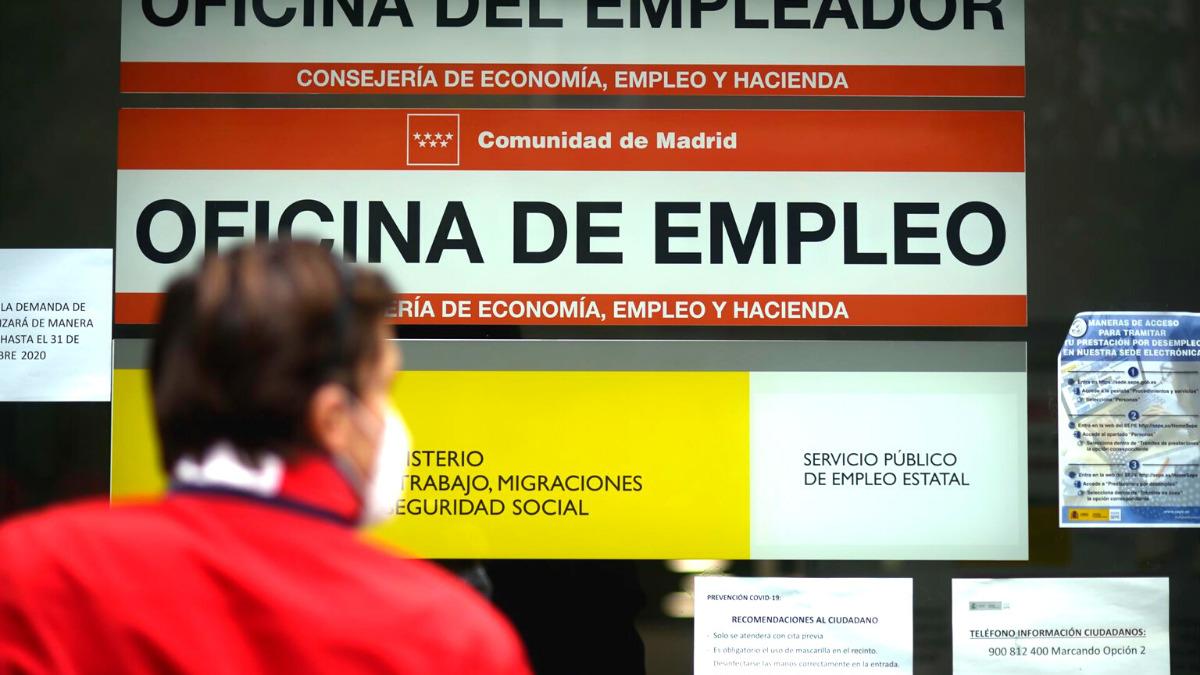 Según los datos de la EPA, el paro baja  en la Comunidad de Madrid seis veces más rápido que en toda España.