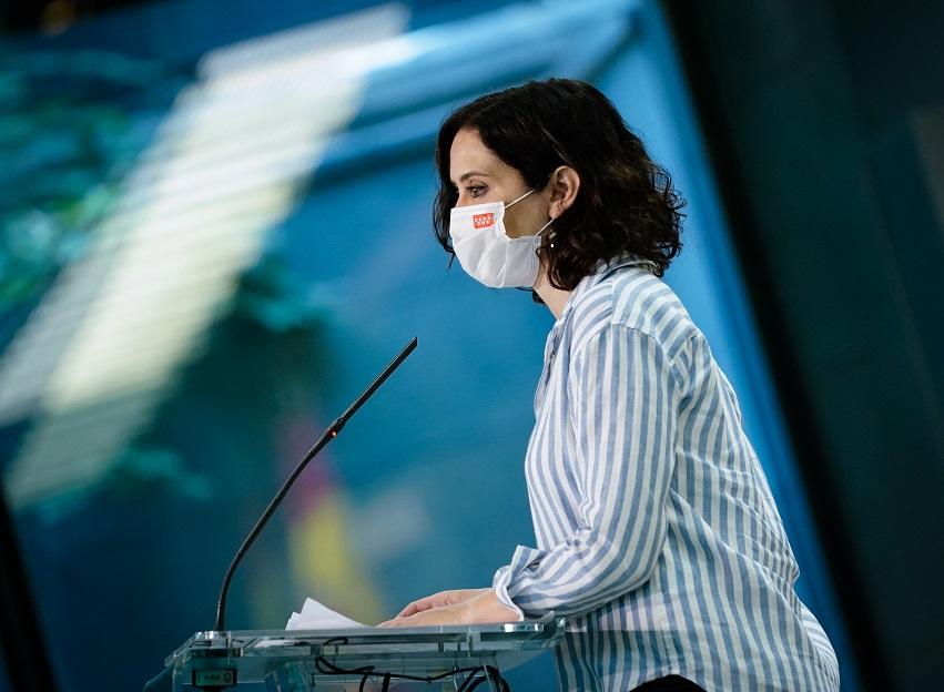 Ayuso anuncia la renovación de más de 11.100 contratos extraordinarios, en la Sanidad Pública, para hacer frente a la pandemia.